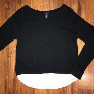 GAP Women's black sweater with white bottom